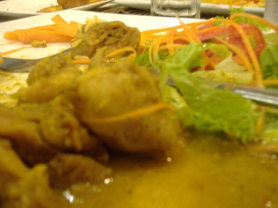 Laurel's: Local Chicken Roti
