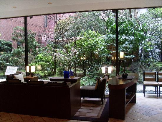 Garden jardin int rieur picture of mitsui garden hotel for Hotel interieur