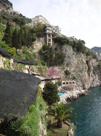 Santa Caterina Hotel : The view from the villa to the main hotel