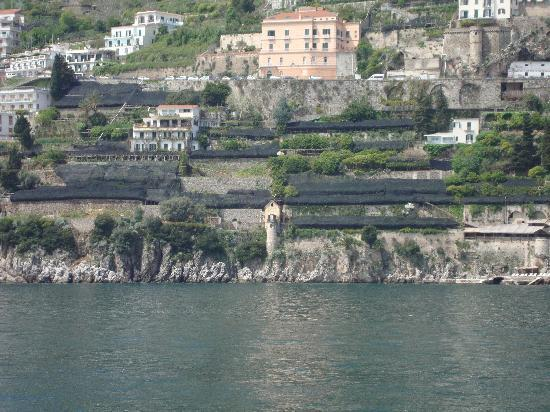 Santa Caterina Hotel : The Romeo and Juliet villa from one of those tourist boats!