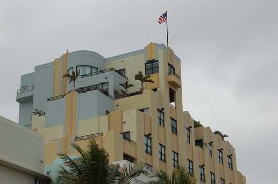 ‪The Official Art Deco Walking Tour by the Miami Design Preservation League‬