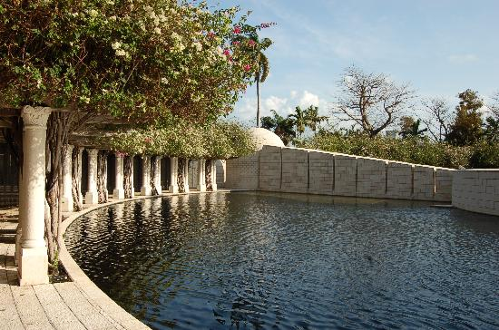 colums in the Holocaust memorial SoBe