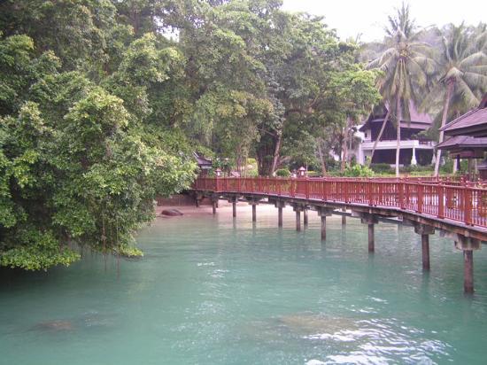 Lumut, Malaysia: O caminho que leva às vilas palafíticas sobre o mar!
