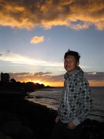 New Plymouth, Nieuw-Zeeland: 『我先兩日,唔知諗緊乜野,無端端走左去睇日落……』