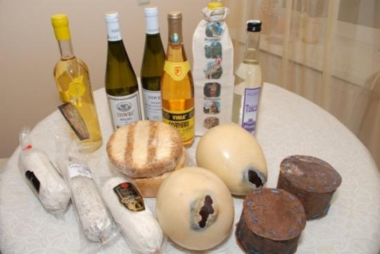 Sibiu, Rumania: wine and cheese and salami - what else could we bring from Romania)))