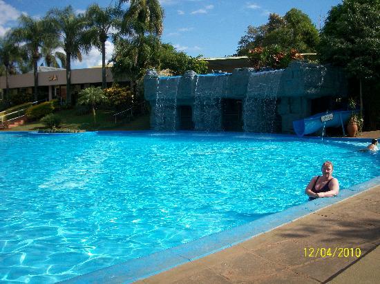 Exe Hotel Cataratas: La Piscina