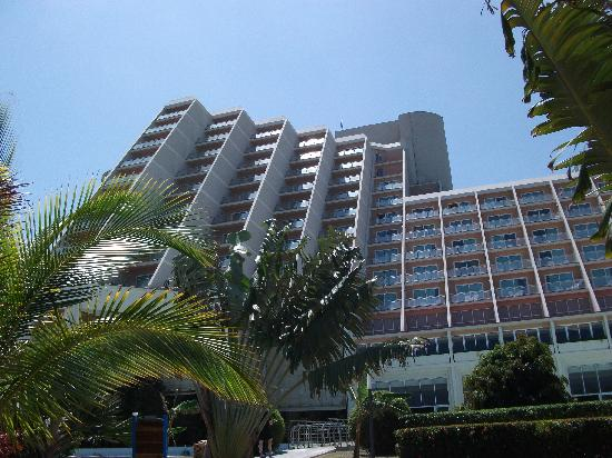 Beautiful hotel picture of blau varadero hotel varadero for Gorgeous hotel