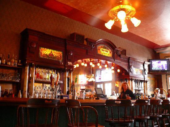 Holbrooke Hotel: Saloon