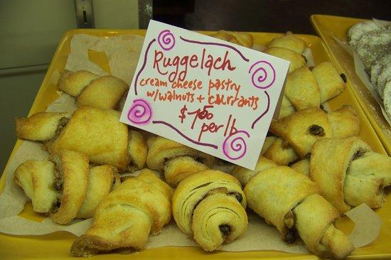 Flying Squirrel Bakery Cafe: Rugelach - yum!