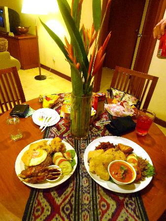 Waterfront City, Indonesia: In room dining
