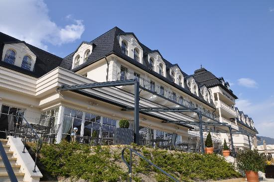 Grand Hotel Lienz : From the river side