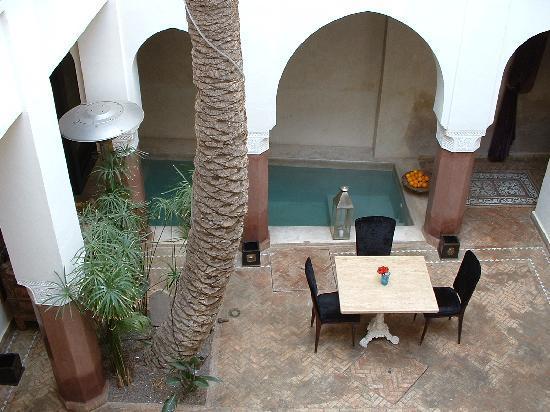 Zamzam Riad: The courtyard by day