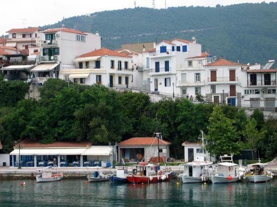 Skiathos town photos featured images of skiathos town for Skiathos town hotels