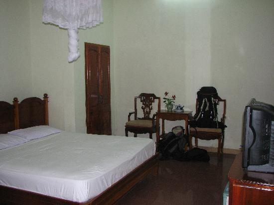 Thanh Binh III Hotel : the room at ground level, much better