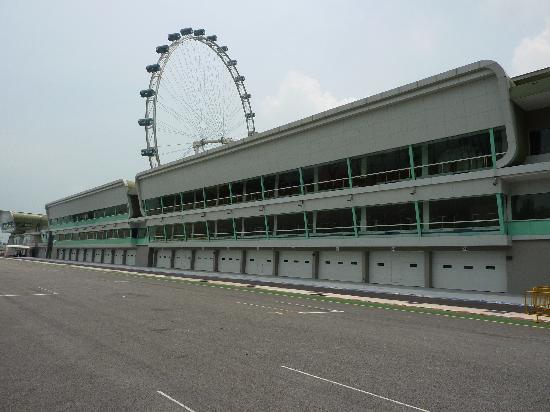 โรงแรม มิรามาร์: View of F1 pits and Flyer