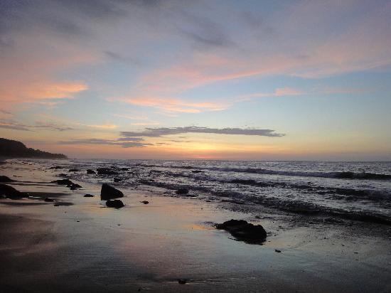 Hotel CasaBarco: beach, after sunset