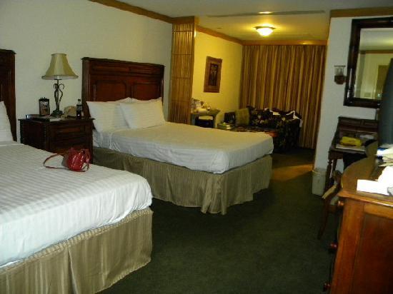 El Cortez Hotel & Casino: Our room