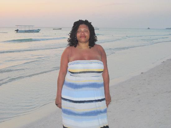 Donaldson's Inn on the Beach : walk on the beach at sunset