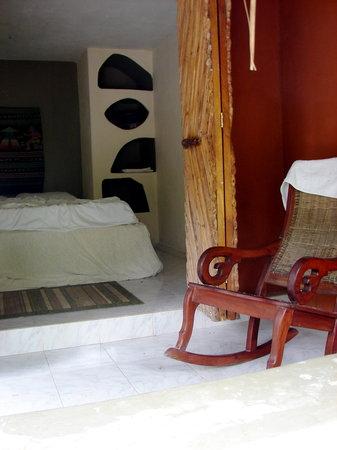 Genesis Eco-Oasis: Interior