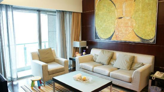 Grand Gateway Service Apartment: living room