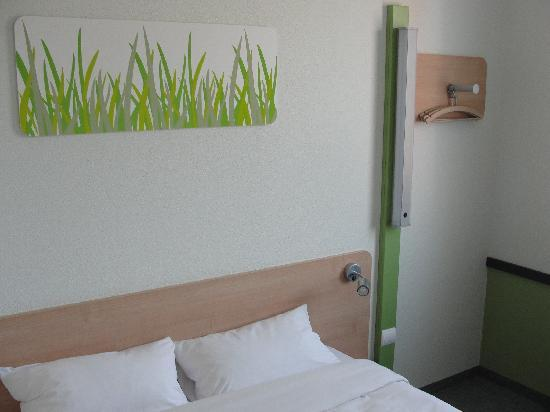 Ibis Budget Torun: A typical room at Hotel Etap, Torun