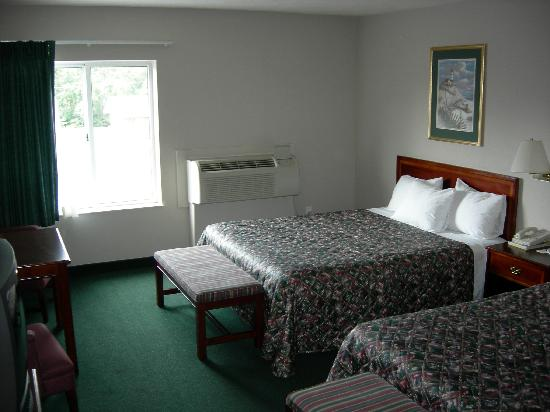 BEST WESTERN Beacon Inn: Standard Room