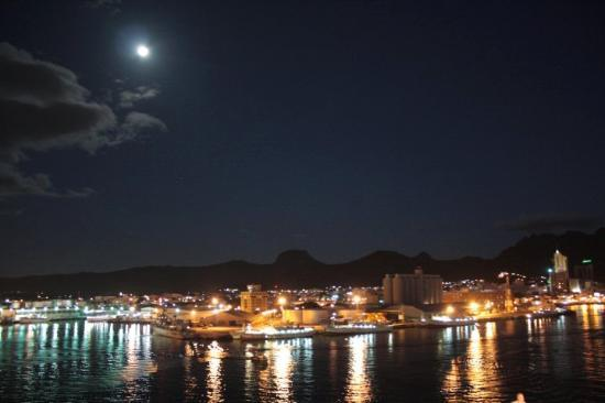 ‪‪Port Louis‬: Mauritius - Port Louis di notte‬