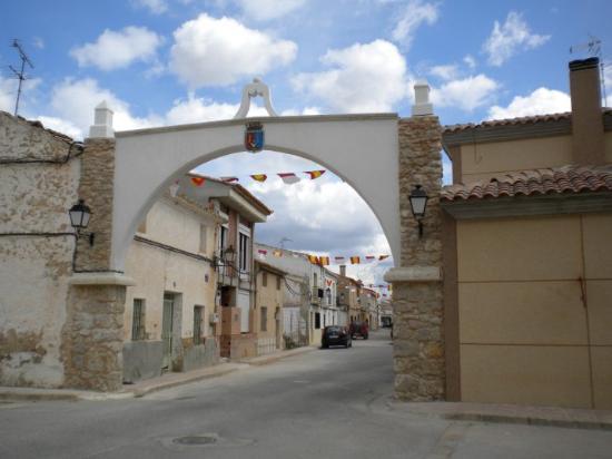 Entrada al Pueblo de Casas de Ves