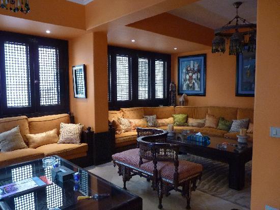 Le Riad Hotel de charme: Tea Room off the dining area