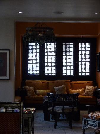 Le Riad Hotel de charme: Lounge/sitting area off the dining area