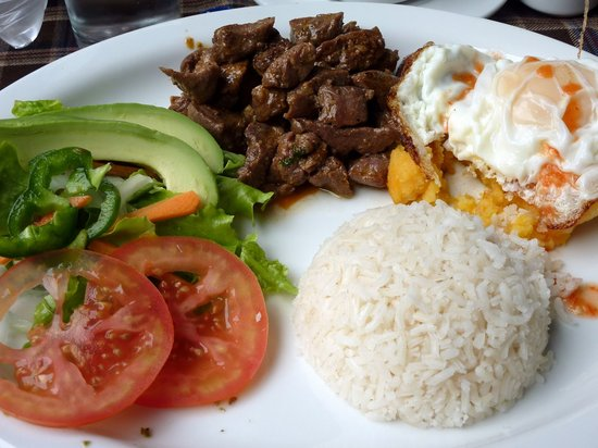 Cafe del Fraile: Llapingachos and steak!