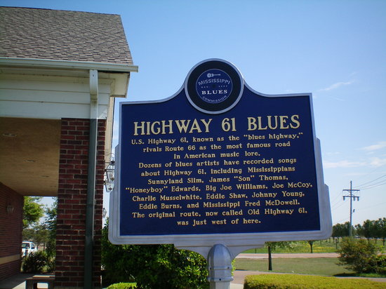 Hwy 61 Blues trail marker