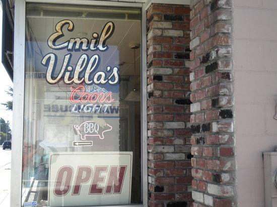 Emil Villa's Hickory Pit: Visited April 25, 2010