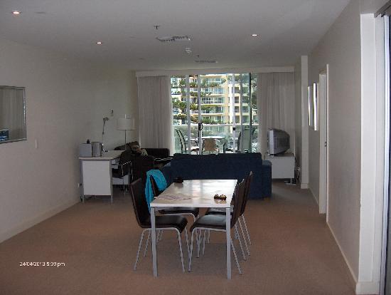 Glenelg, Australia: Dining/Lounge