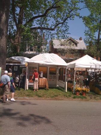 Cherokee Park: Cherokee Art Fair