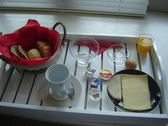Friendzz B&B Amsterdam : Breakfast @ Friendzz