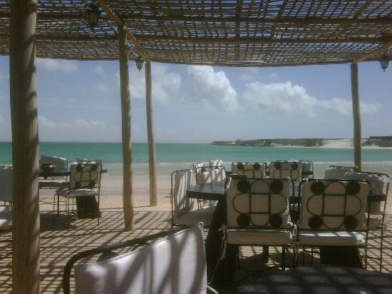 لؤلؤة الصحراء المغربية au-restaurant.jpg