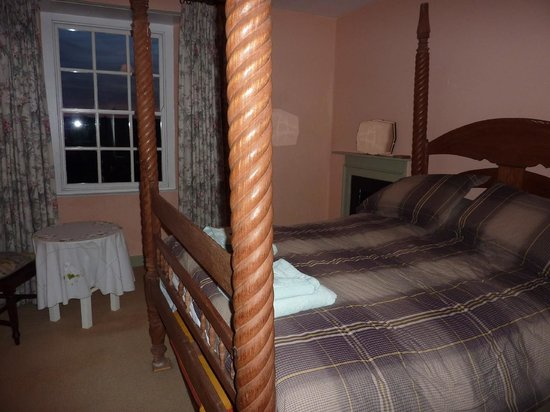 The Ship Inn: One of the bedrooms