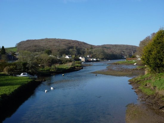 The Ship Inn: view of Lerryn from the bridge