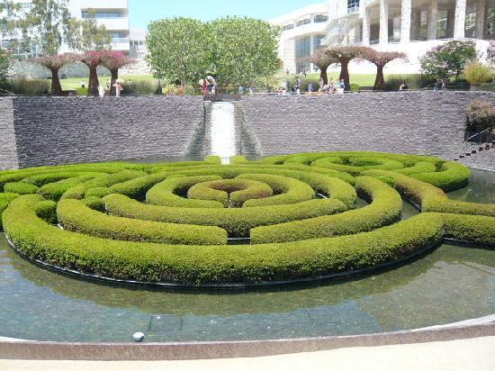 ゲッティーセンター 庭園 - ロサ...