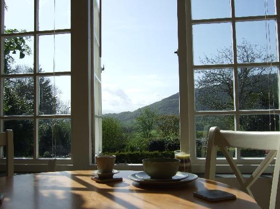 Bwlch y Fedwen Bed & Breakfast: Breakfast in the Sun Room