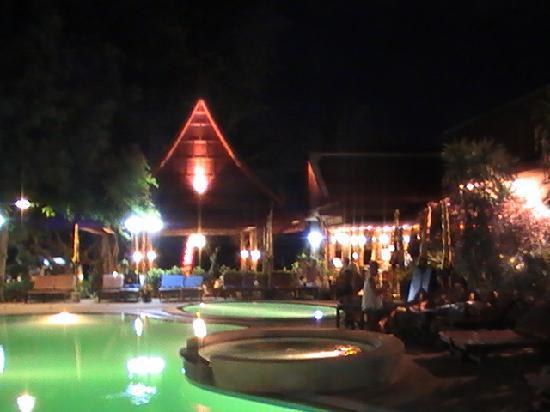 Bill Resort: Pool