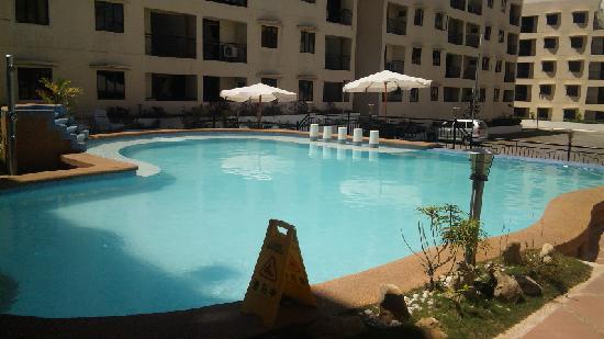 Lancaster Hotel Cebu: 大人用屋外プール