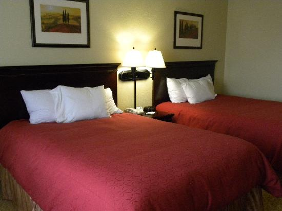 Country Inn & Suites by Radisson, Eau Claire, WI: Comfy!