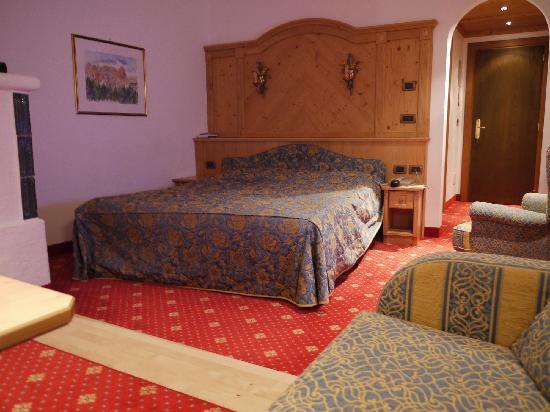 Alpen Hotel Corona Sport & Wellness: Large Alpen Room