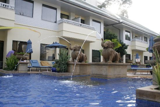 Holiday Inn Resort Phuket: Pool busakorn villa