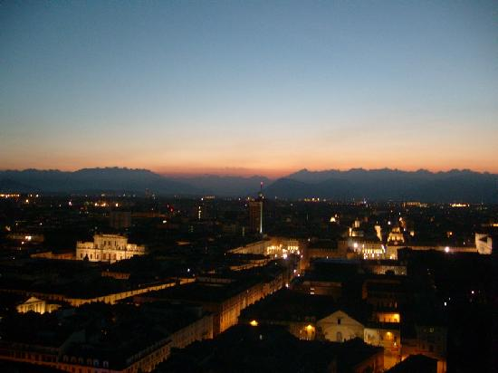 Ostello Torino : Torino at night