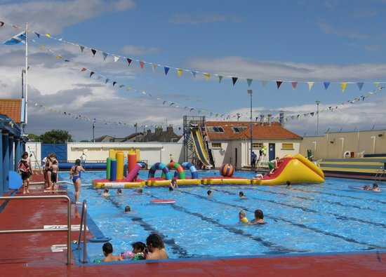 Stonehaven open air swimming pool 2019 all you need to - Dundee swimming pool opening times ...