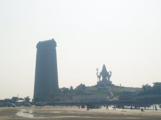 Gokarna, Índia: Murugadeeshwar temple...