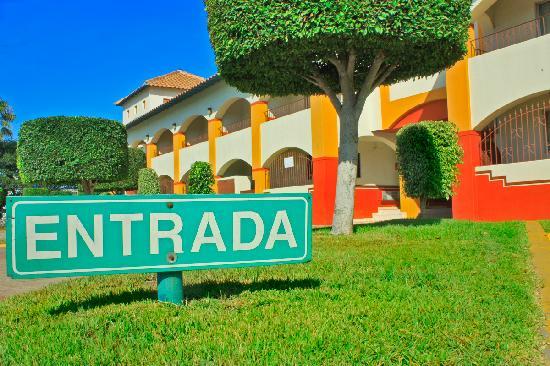 Hotel Hacienda del Mar: entrance